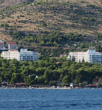 25.07.2016., Seget Donji - Pogled na hotel Medena s mora. Photo: Ivo Cagalj/PIXSELL