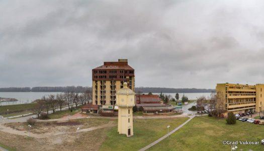 Nakon više od desetljeća obnovit će se i prenamijeniti Hotel Dunav
