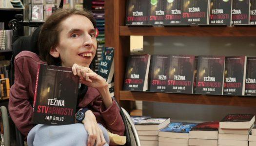 Jan Bolić najavio drugi roman koji piše jednim prstom