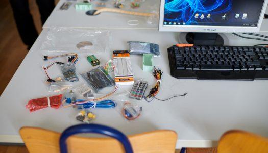 Croatia osiguranje oprema varaždinske osnovnoškolce Arduino setovima za razvoj znanja programiranja i logičkog razmišljanja